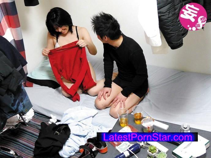 [KUNI-031] 素人盗撮買取映像 勤務している会社の上司の寝取られ美人妻との生セックスを完全盗撮 本人に無断でAV発売 #2