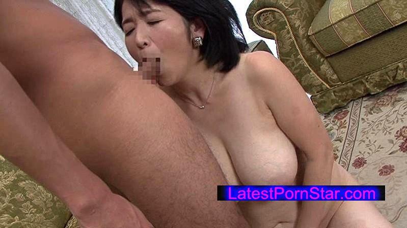 [AED-134] 近親相姦 五十路のお母さんに膣中出し 上島美都子