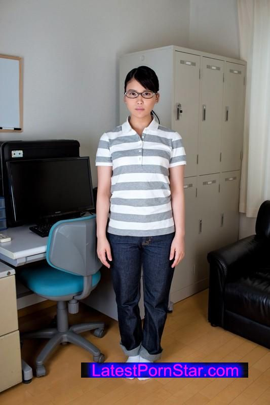 [AMBI-068] ウブでまじめなメガネっ娘 朝比奈さん