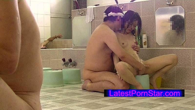 [IBW-590] 銭湯の男湯に父親と入ってくる少女を狙った盗撮いたずらわいせつ映像