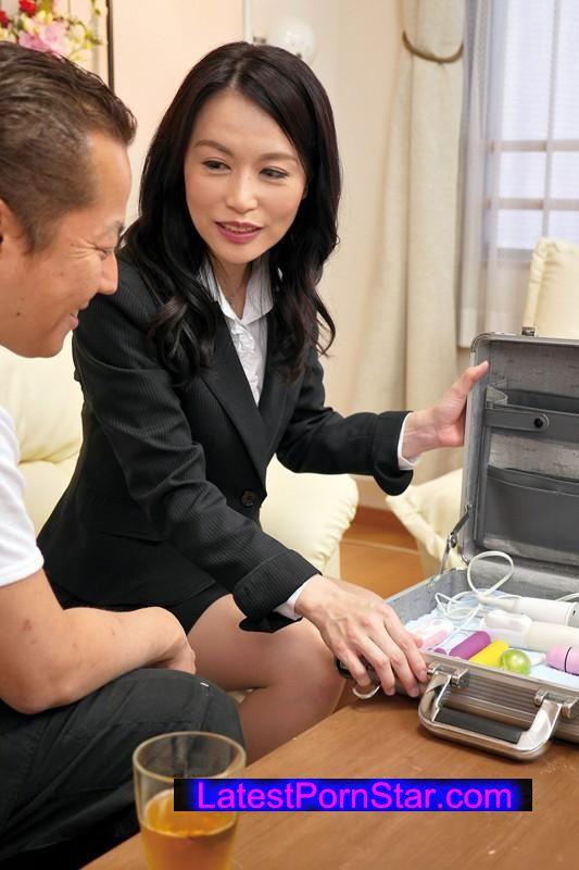[NASS-564] 成約率は驚愕の100%!?おもちゃのセールスレディのマル秘営業テクニック!? 2