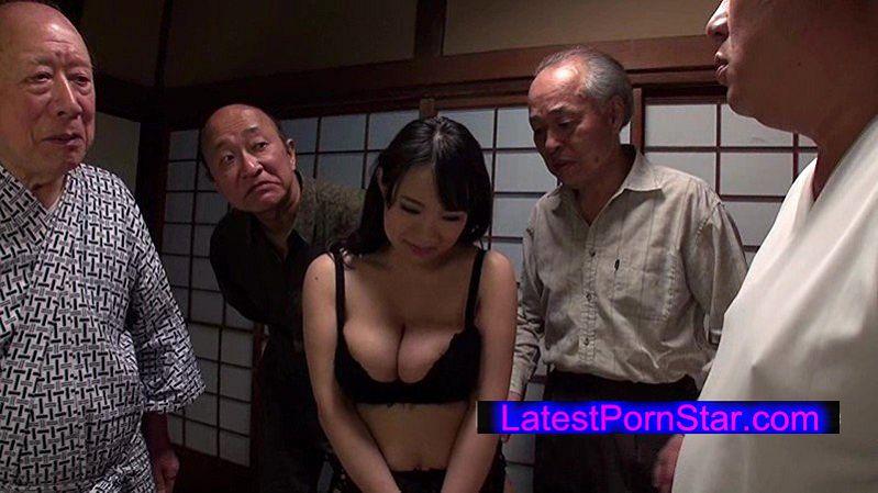 [NITR-318] 老人たちに寝取られたセックスレスの夫を持つ爆乳嫁 澁谷果歩