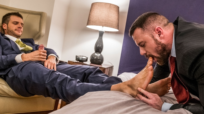 LucasRaunch – Brian Bonds Embraces Sergeant Miles' Foot Fetish
