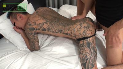 Men's Rush.TV –  MR-KR992 – 全身に刺青の短髪青年に生マラの洗礼を浴びせる☆