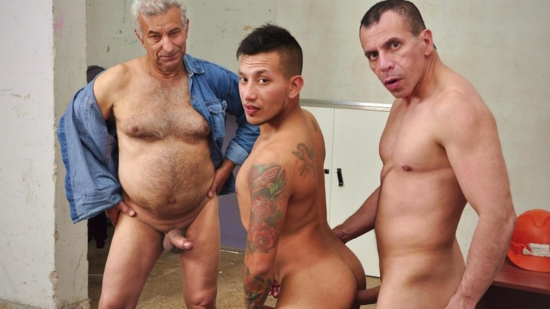 Older4Me – Let's party with grandpa (Bareback)