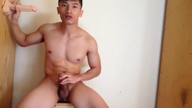 Chinese maleshow – Amateur Contribution – Athlete Solo Dildo Play