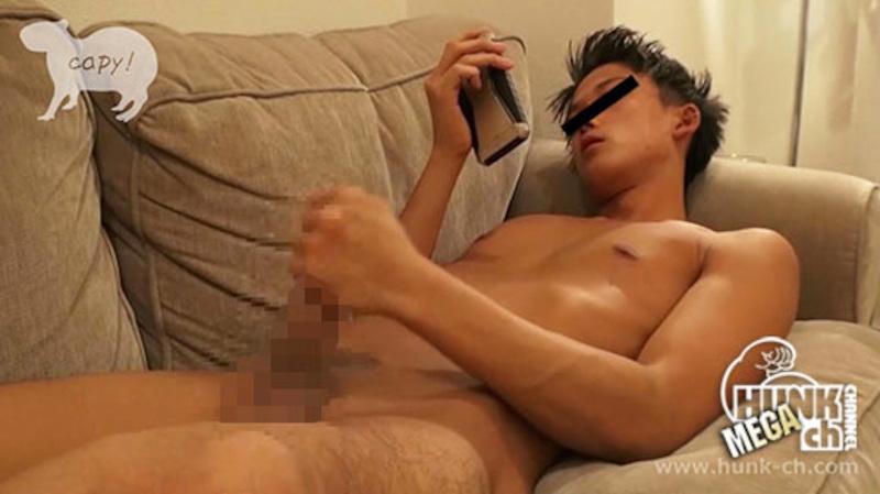 HUNK CHANNEL – KPP-0163 – 色黒ワイルド系のパイパン男前がお部屋で一人オナニー披露