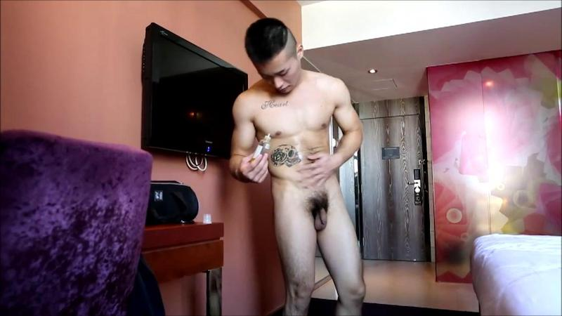 Chinese maleshow – Tattooed Rascal